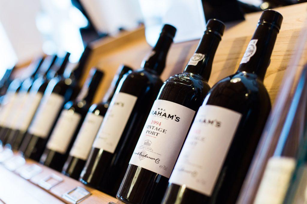 Vinbran u proizvodnji vina etikete